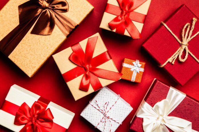 gift to Pakistan